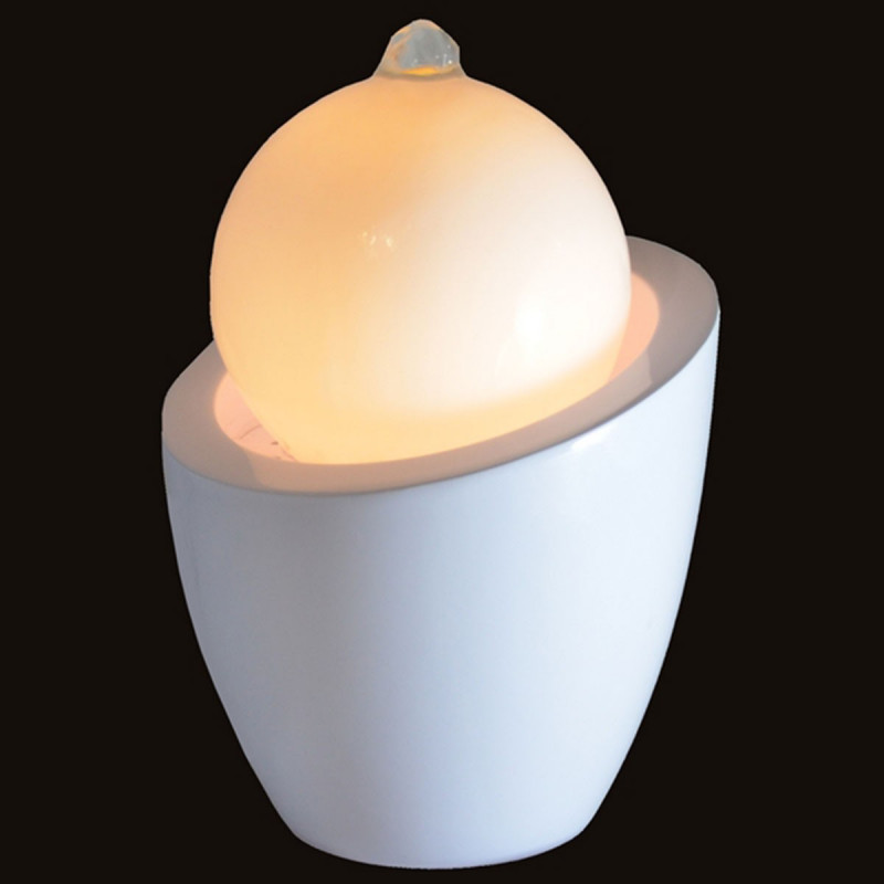 fontaine design en forme de boule avec led sur logeekdesign