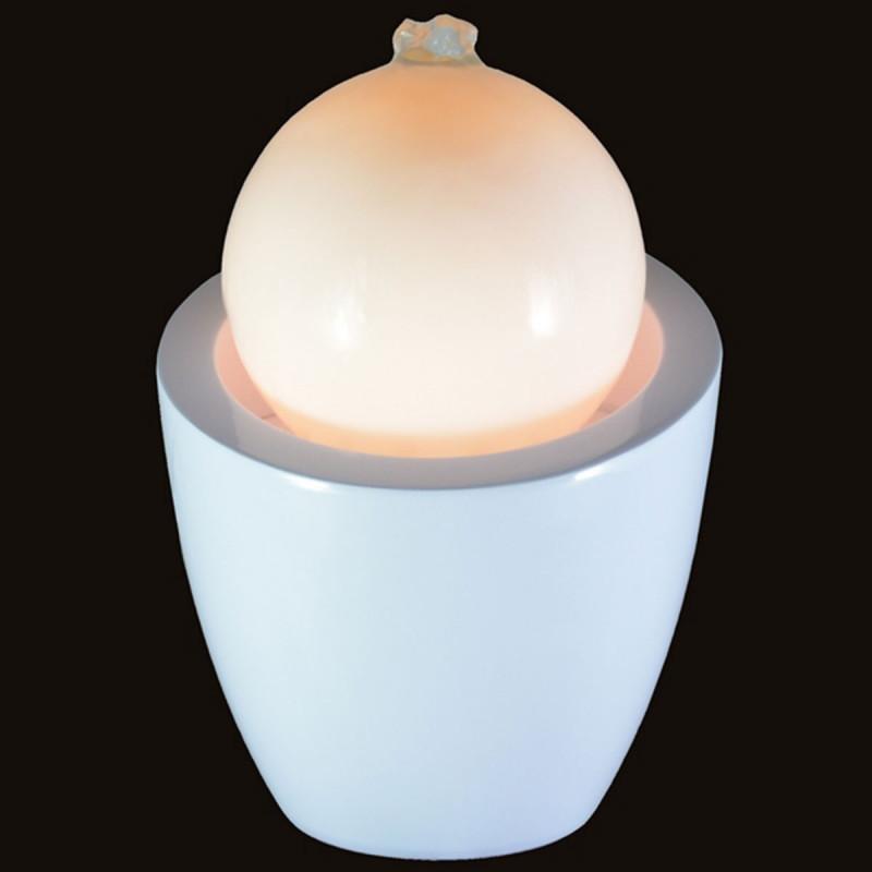 fontaine design en forme de boule avec led sur logeekdesign. Black Bedroom Furniture Sets. Home Design Ideas