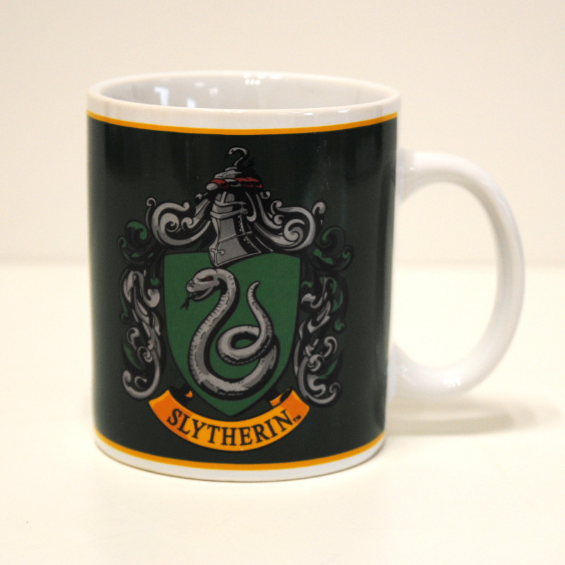 tasse expresso harry potter avec blason serpentard. Black Bedroom Furniture Sets. Home Design Ideas