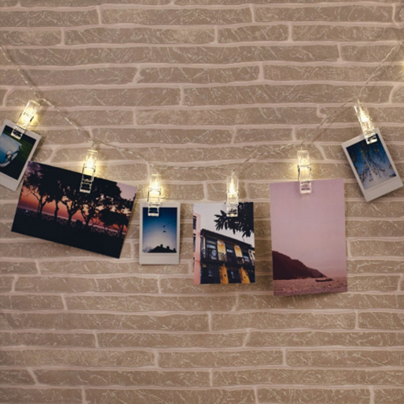 porte photos mural en forme de guirlande lumineuse avec pinces sur logeekdesign. Black Bedroom Furniture Sets. Home Design Ideas