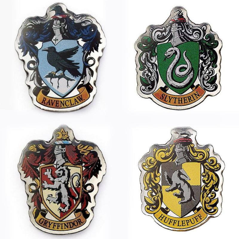 Pin S Harry Potter A L Effigie Des Blasons Des Maisons Poudlard