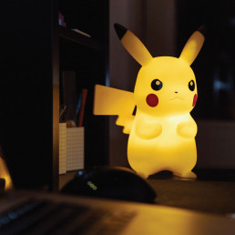 Pikachu Lumineux 25 cm Pokémon avec Télécommande