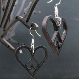 Boucles d'Oreilles en Bois Noir Cœurs Emboîtés