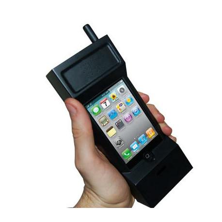 Un geek à la pointe de la technologie, avec son iPhone flambant neuf et toutes ses fonctionnalités branchées… pour ne pas laisser indifférent, il doit se démarquer... Ce gadget geek original est top pour vous faire remarquer !