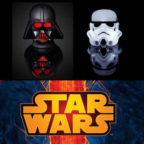 Imposez votre style design et geek avec ces lampes ont une préférence pour le côté obscur de la Force... Dark Vador et Stormtrooper sont mis à l'honneur et éclaireront votre pièce avec panache et originalité ! So geek...