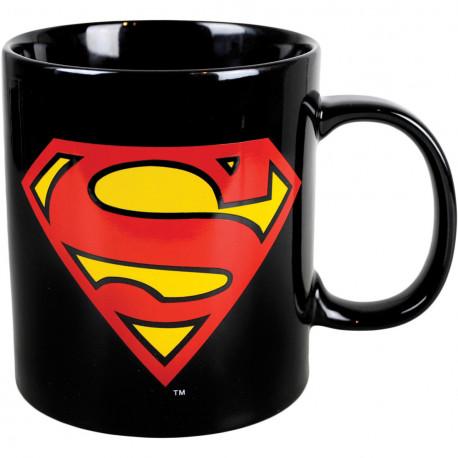 Finis les matins difficiles avec ce mug géant qui reprend en visuel le logo culte du super-héros DC Comics, Superman ! Buvez votre grand café avec un maximum de style et de geek-attitude à l'aide de ce maxi mug de 750 ml... Un mug so geek...