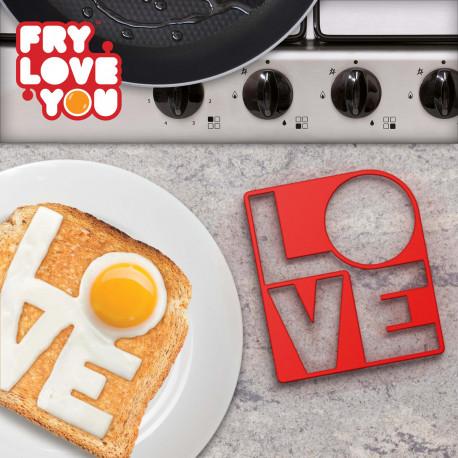Faites souffler un vent de romantisme et d'amour dans votre cuisine avec ce moule à œuf au plat original ! Ce moule LOVE permettra de faire aisément des œufs au plat en forme de message d'amour… pour déclarer sa flamme à son amoureux/se !