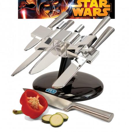 Les geeks inconditionnels de la Guerre des Etoiles et amateurs de cuisine vont succomber au charme de cet accessoire hautement design : un porte-couteaux Star Wars ! En forme du vaisseau X-Wing, il est livré avec ses cinq couteaux de haute qualité…
