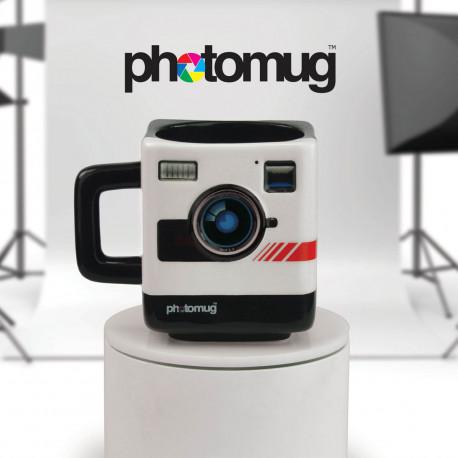 Rappelez-vous une époque où le Polaroid était un objet culte… Celui-ci refait surface pour votre plus grand plaisir dans ce mug insolite à son effigie ! Les nostalgiques photographes, amateurs ou confirmés, ont désormais trouvé leur mug…