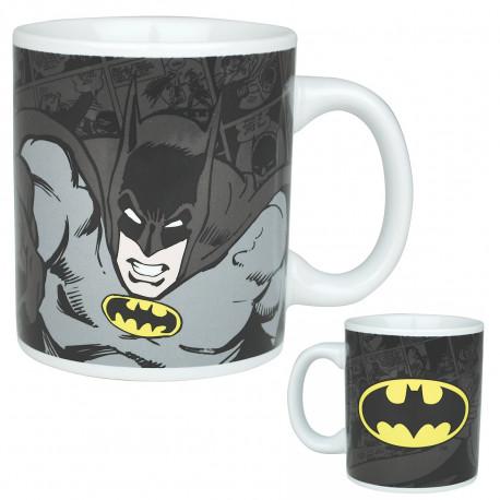 Égayez vos réveils sous le signe de l'homme chauve-souris : Batman est en effet à l'honneur sur ce mug en céramique so geek ! D'un côté, le personnage en mode punchy et de l'autre côté le logo chauve-souris du super-héros...
