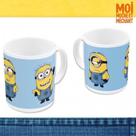 Entrez chaque matin dans l'univers de Gru, Margo, Edith et Agnès avec ce mug en céramique Minions dont le visuel est inspiré du film d'animation Moi, Moche et Méchant ! Une tasse complètement déjantée !