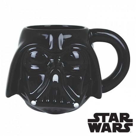 Le côté obscur de la Force va envahir votre petit déjeuner ou votre pause-café au boulot avec ce mug en céramique geekement original ! Mettant à l'honneur Dark Vador en trois dimensions, ce mug Star Wars fera l'unanimité…