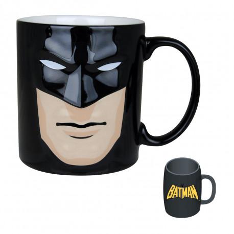 Égayez vos réveils sous le signe de l'homme chauve-souris : le masque de Batman est à l'honneur sur ce mug en céramique en deux dimensions ! Un cadeau so geek…