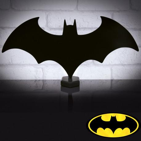A l'effigie de l'emblématique logo, la lampe d'ambiance Batman est une idée de déco ultra geek