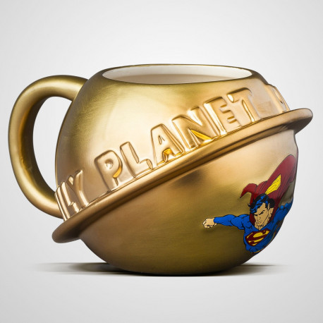 Le Daily Planet est mis à l'honneur sur ce mug 3D Superman en version dorée ! Sous licence officielle DC Comics