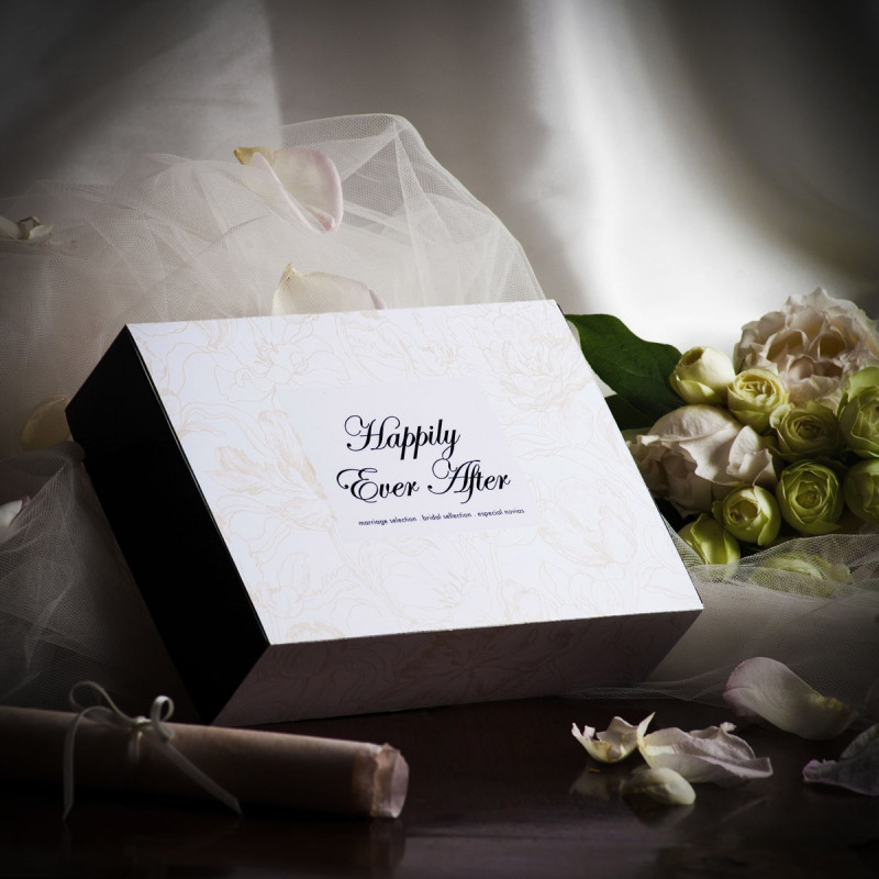 cadeau original de mariage coffret cadeau pour jeune mari e sur logeekdesign. Black Bedroom Furniture Sets. Home Design Ideas