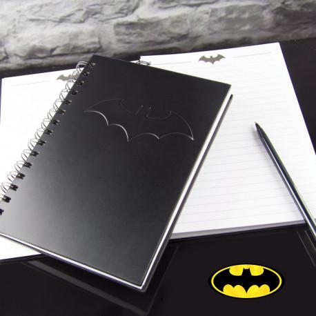 cahier Batman à spirales mettant en avant son logo chauve-souris