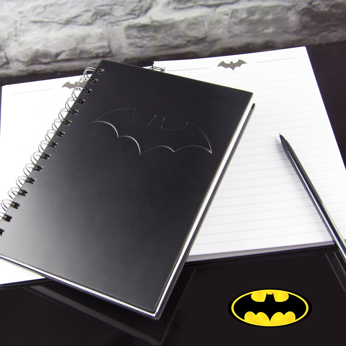 carnet de notes noir sous licence officielle batman sur logeekdesign. Black Bedroom Furniture Sets. Home Design Ideas