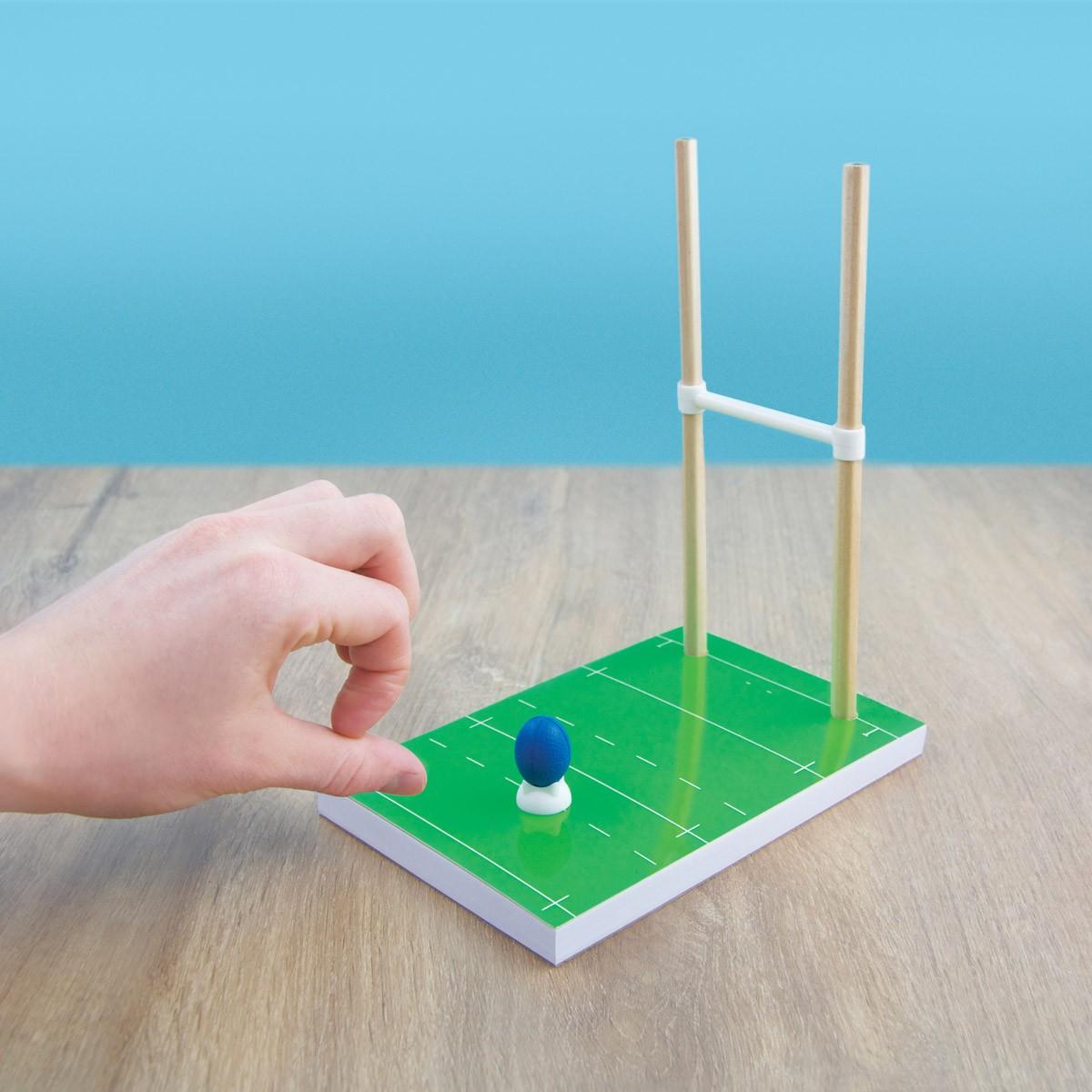 set de bureau en forme de mini jeu de rugby sur logeekdesign. Black Bedroom Furniture Sets. Home Design Ideas