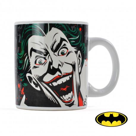 Retrouvez l'univers du terrifiant Joker en adoptant ce mug en céramique hautement geek