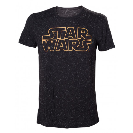 Affichez votre passion pour la saga Star Wars avec ce t-shirt geek où le mythique logo s'affiche sur fond de ciel étoilé intergalactique