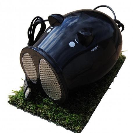 Ceux qui craquent devant les bouilles des mignons petits cochons noirs vont succomber au charme de ce haut-parleur et radio