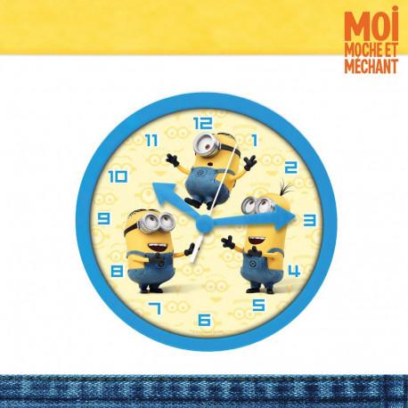 Ajoutez une touche de l'univers des Minions avec cette horloge murale Moi, Moche et Méchant, mettant à l'honneur les Minions,