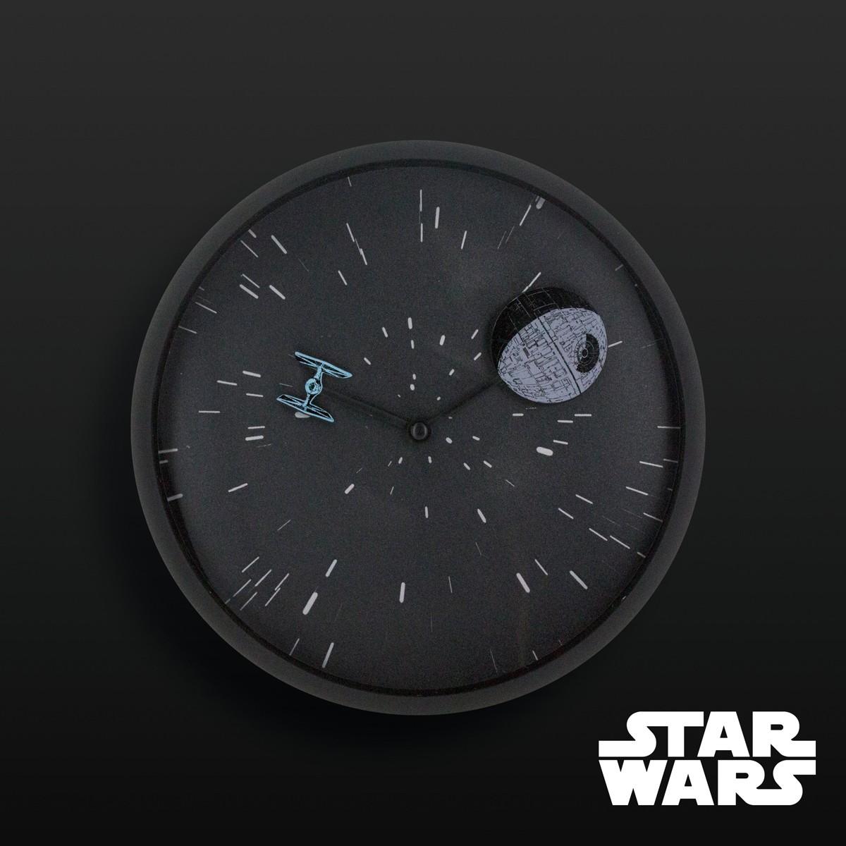Horloge star wars : pendule murale design avec etoile de la mort ...